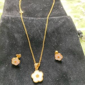 Jewelry - Necklace and earrings, gold over plated